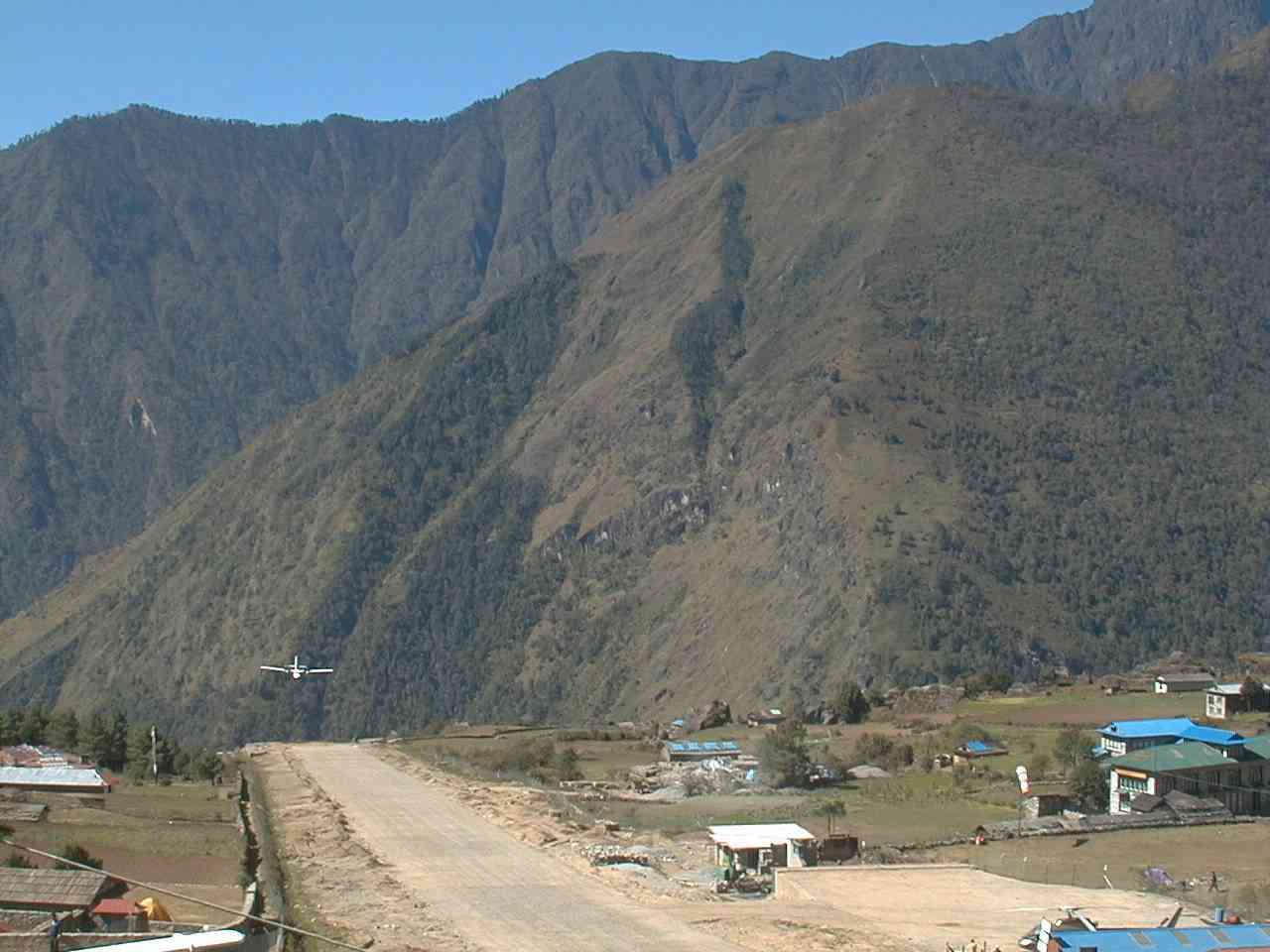 Lukla Airport likewise Blaup Cata Be besides Keh additionally Pension Einzelzimmer besides Radio Position. on radio